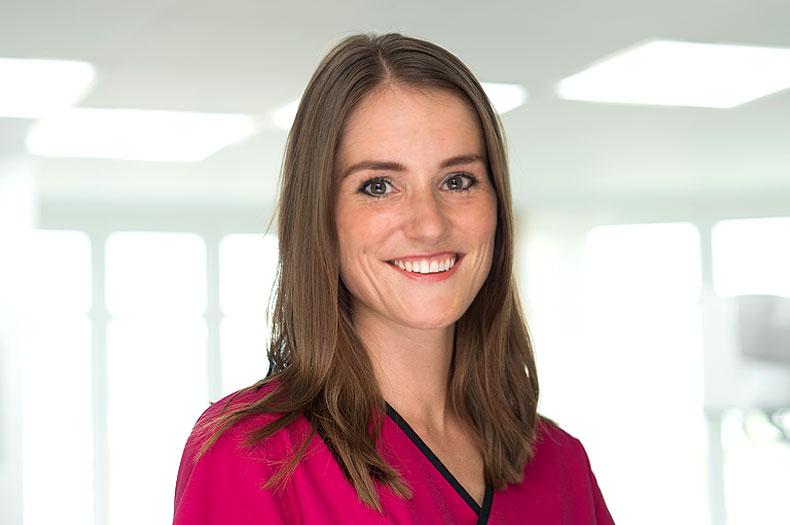 Dr. Vera Müller, Kinderzahnärztin in der Zahnarztpraxis Dr. Büttner in Hildisrieden